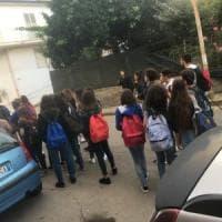 I pullman dell'Ast non sono sufficienti e 70 studenti non vanno a scuola