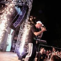 Catania, in tremila sulla spiaggia per lo show di Fabri Fibra