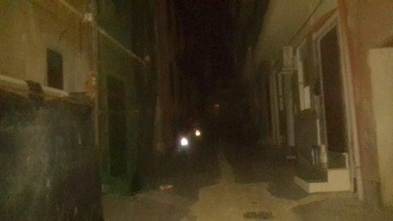 "Vergine Maria al buio, i residenti: ""Abbiamo paura"""