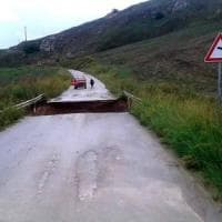Cede la strada provinciale, Mussomeli isolata
