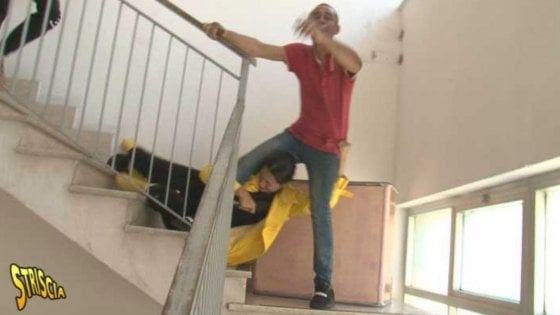 """Palermo, l'inviata di """"Striscia"""" Stefania Petyx aggredita con l'operatore in un palazzo occupato"""