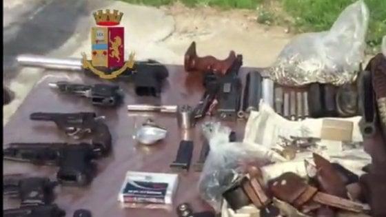Palermo, scoperto un laboratorio per modificare armi. Blitz della squadra mobile in una villa di Ciaculli