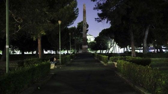 Palermo, torna l'illuminazione a piazza Indipendenza