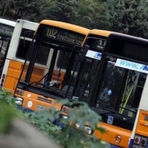 Palermo, sui bus non ci sono abbastanza autisti: stop alle ferie all'Amat