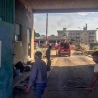 Palermo, incendio nell'ex fabbrica Ancione