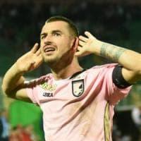 Lecce-Palermo. Nestorovski mette in rete con un sinistro da fuori area,
