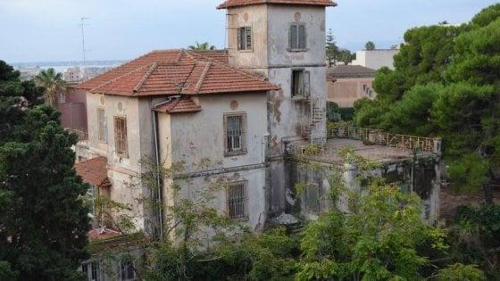 Siracusa, villa Abela abbattuta: levata di scudi contro le ruspe