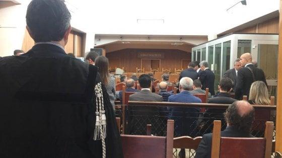 """Montante prova a far saltare l'udienza. I pm: """"Sospendere i termini di custodia"""""""