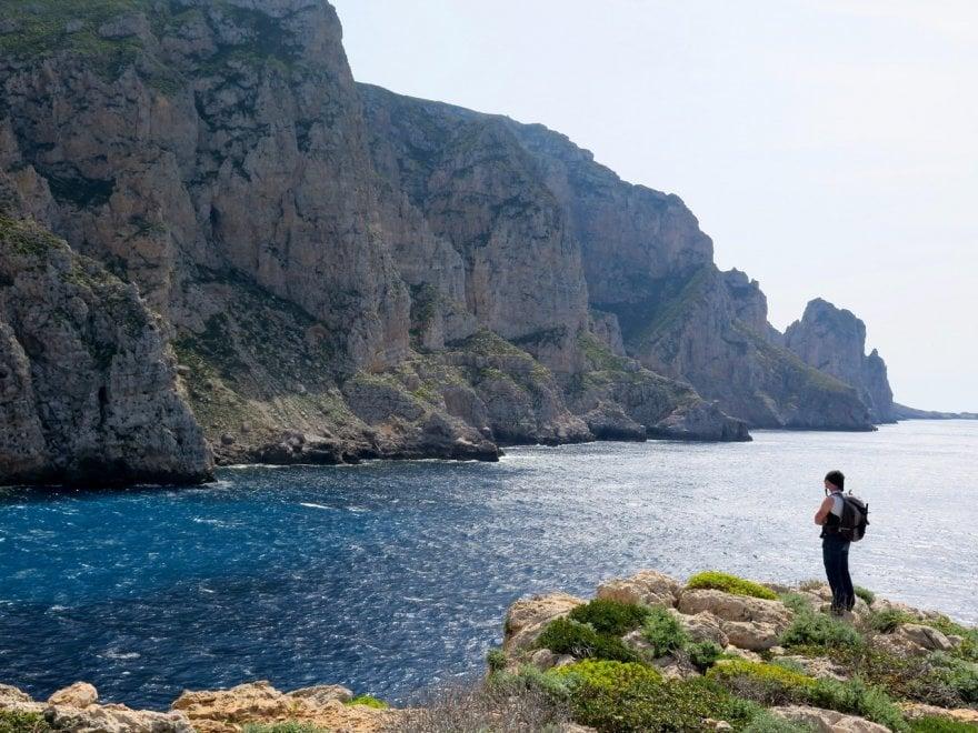 """In montagna al mare: trekking a Marettimo, sulle """"Dolomiti siciliane"""""""