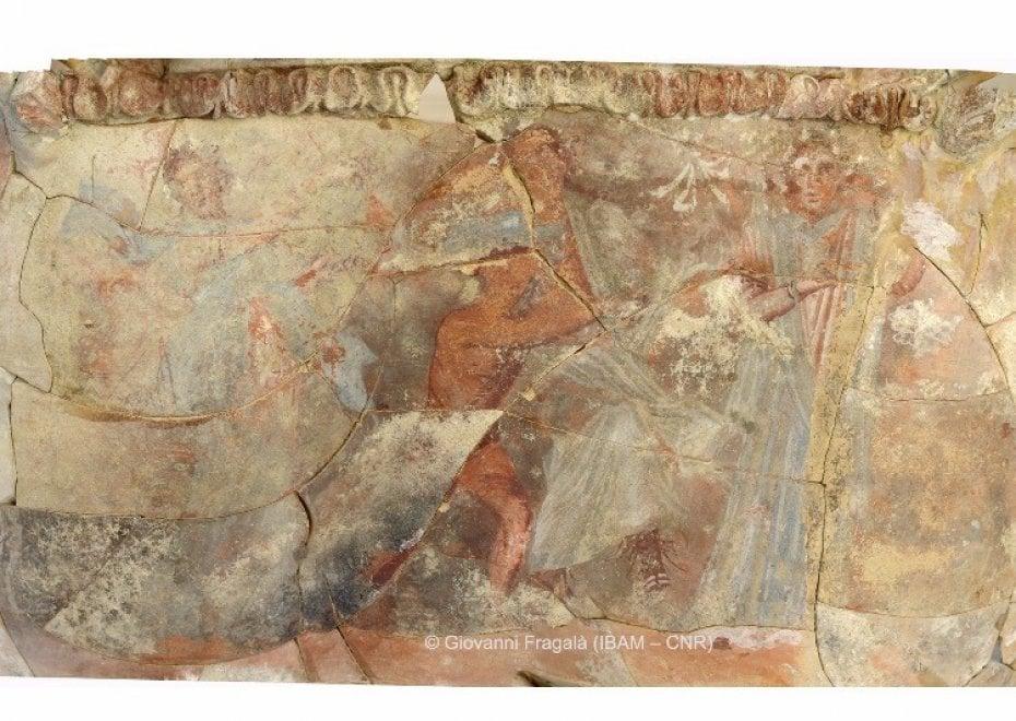 Enna, era stato sequestrato come falso nel 1992: era un vaso di 2200 anni fa