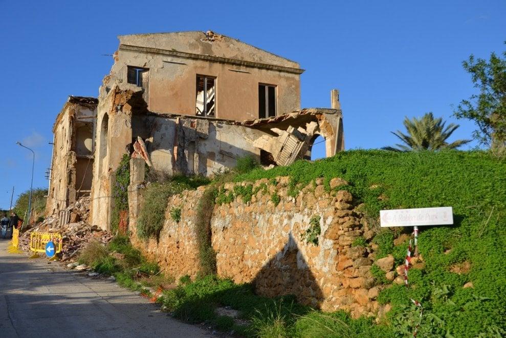 Maltempo agrigento crolla la casa di camilleri doveva for Ospitare a casa