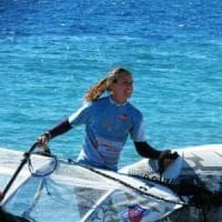 Windsurf: Laura Linares torna a gareggiare, ingaggiata dal club Lauria