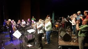 """L'orchestra di Westobrook   al Golden """"Con tutto il mio amare"""" ai Cantieri"""
