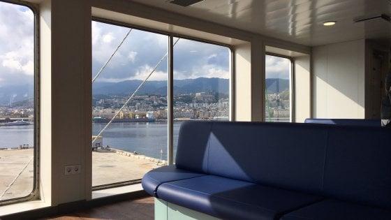 Messina Ecco Elio La Nuova Nave Traghetto Della Caronte Tourist