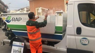 Palermo: via alla differenziata a Borgo Molara, i residenti portano i rifiuti in piazza