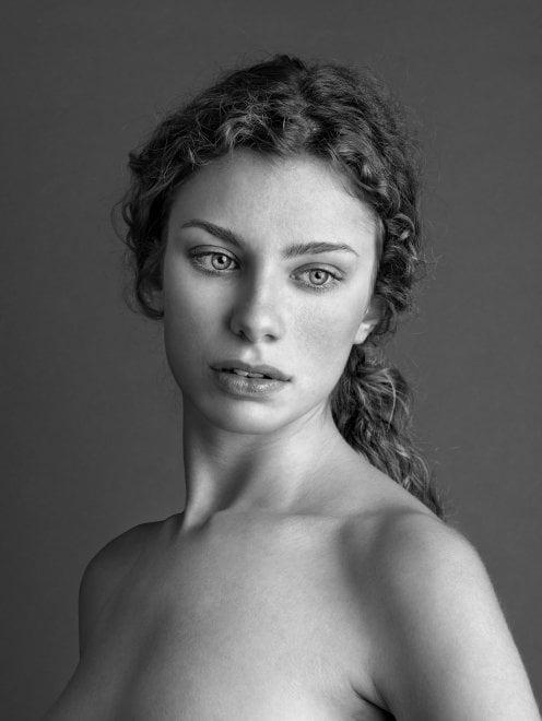 La bellezza femminile declinata dai ritratti di Morello