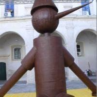 Modica: Pinocchio è di cioccolato ed è alto 5 metri