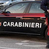 Mafia, caccia ai complici di Messina Denaro. Blitz dei carabinieri, Castelvetrano sotto...