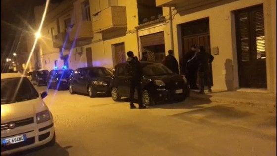 Mafia, caccia ai complici di Messina Denaro. Blitz dei carabinieri, Castelvetrano sotto assedio