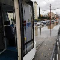 Palermo, la fogna è otturata: si ferma il tram della linea 1