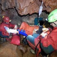 Palermo, salva la speleologa caduta in una grotta