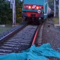 Acireale, in fuga a piedi: travolto e ucciso dal treno