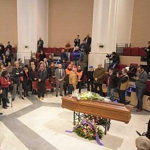 Palermo, i funerali di Aldo: il clochard amico di tutti ucciso in pieno centro