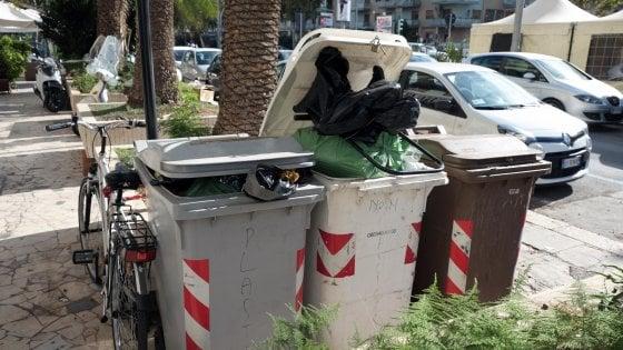Palermo: oggi raccolta anticipata dei rifiuti