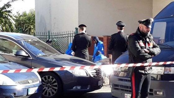 Femminicidio in provincia di Catania, uccide l'ex moglie e si spara