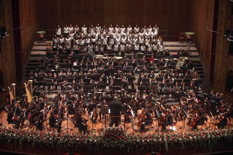 Palermo, giovani musicisti e piccoli spettatori al teatro Massimo per salutare il nuovo anno