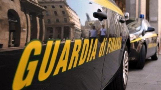 Palermo, fatture false per evadere le tasse: sequestro da un milione a un distributore di giornali