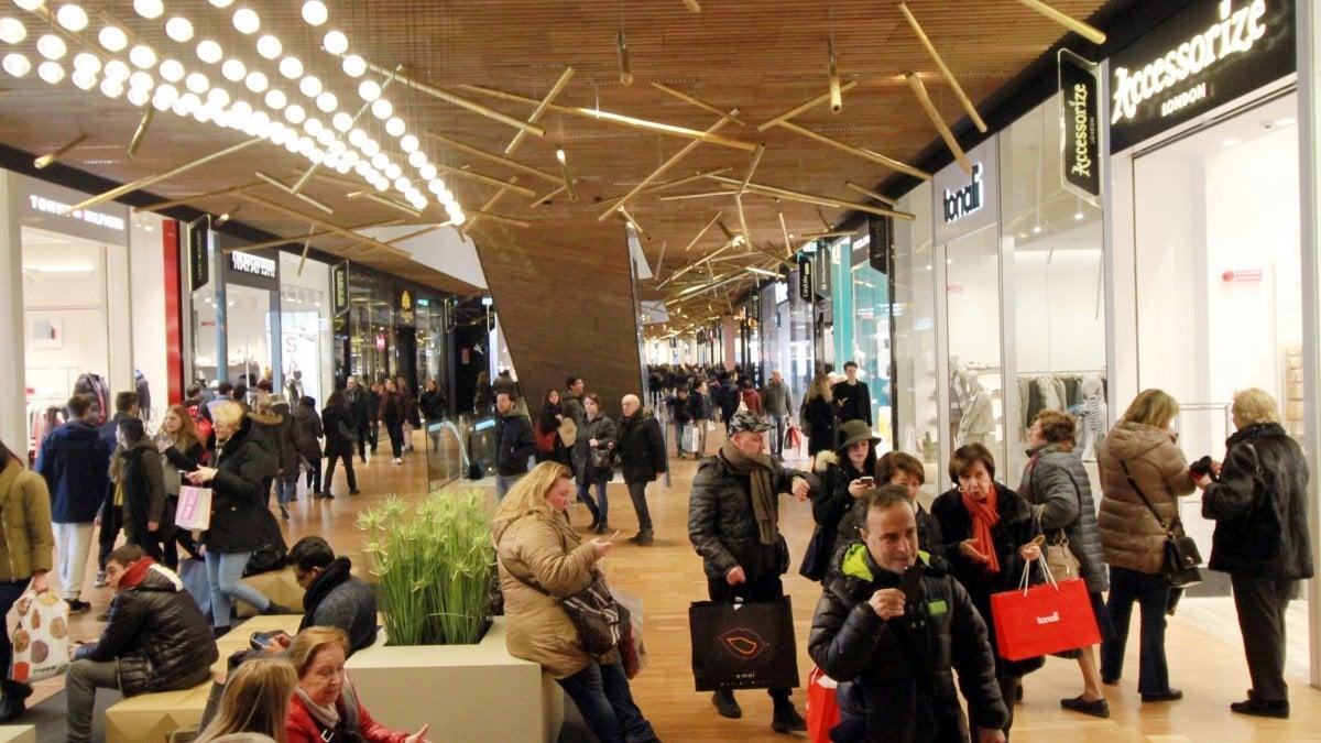 Palermo nuovo centro commerciale a roccella negozianti for Negozi di arredamento palermo