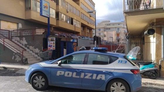 Palermo, ruba un furgone carico di dolciumi: bloccato pochi minuti dopo