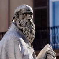 Palermo, allarme smog in cattedrale: le statue color del fumo