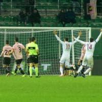 Calcio: il Palermo si fa male da solo, battuto in casa dalla Salernitana