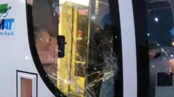 Palermo, sassi contro la linea 1 del tram. Tre raid in due giorni, indaga la polizia