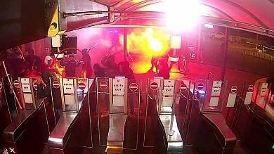 Messina, la ricostruzione della polizia sulla guerriglia fra tifosi: 5 arresti    Video