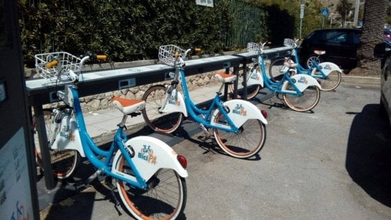 Palermo, in sella alla bici del bike sharing rubata: denunciato per ricettazione