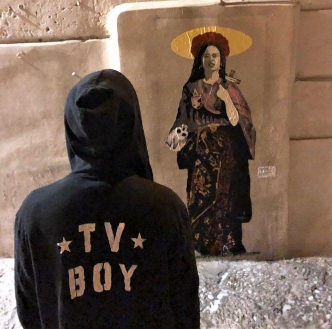 Palermo, la Santa Rosalia pop dell'artista Tvboy in piazza Meli