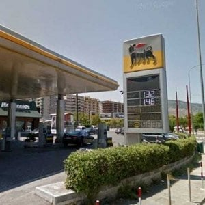 """Palermo, anziano tenta furto ai danni di un distributore: """"L'ho fatto per bisogno"""""""