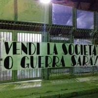 Palermo, l'ira dei tifosi in uno striscione allo stadio: