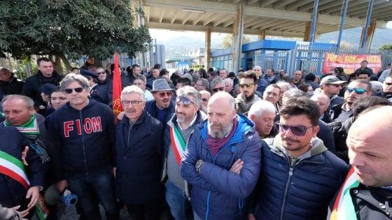 """Palermo, caso Blutec: il ministero convoca un tavolo per il 5 marzo. I sindacati: """"E' tardi"""""""