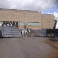 Trapani, il vento scoperchia il palasport di Paceco: due feriti