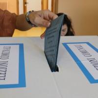 Sicilia verso le amministrative: patti trasversali, a Gela il Pd con il