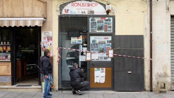 Palermo, rapina al minimarket finisce nel sangue: un morto e due feriti