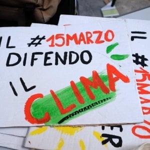 La Sicilia scende in piazza per salvare l'ambiente