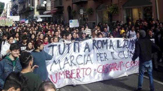 Palermo, a migliaia al corteo in difesa del clima
