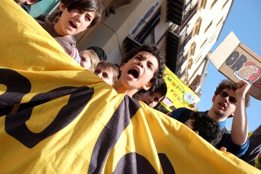 Palermo, a migliaia in corteo per il clima