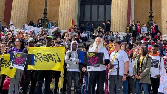"""Palermo ricorda le mille vittime di mafia. Orlando: """"Esercizio indispensabile di costruzione del futuro"""""""