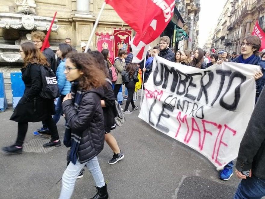 Palermo, tanti ragazzi in piazza per la Giornata della memoria delle vittime di mafia